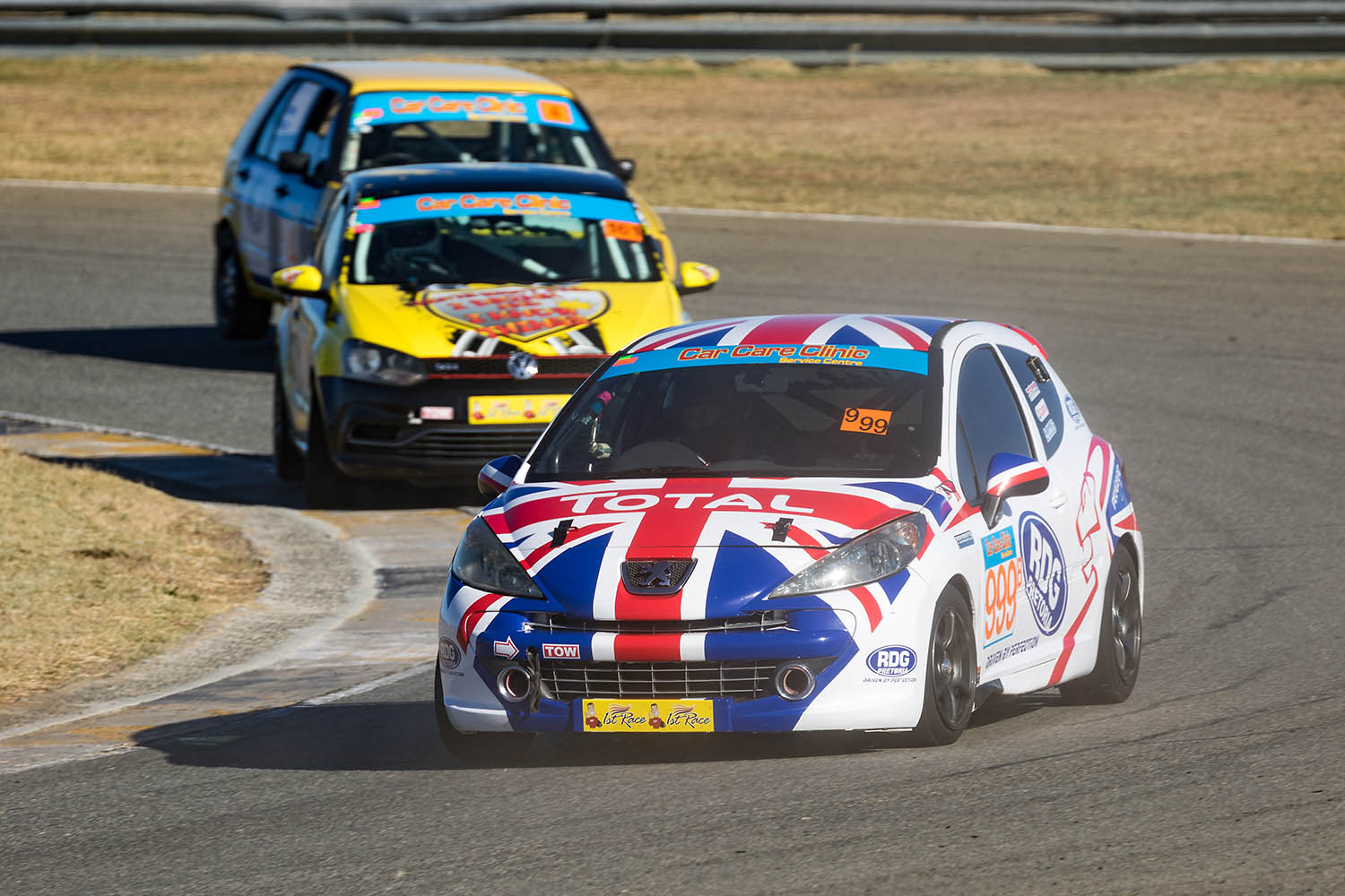 Nic Martin leads Wouter Roos and Zane van Zyl