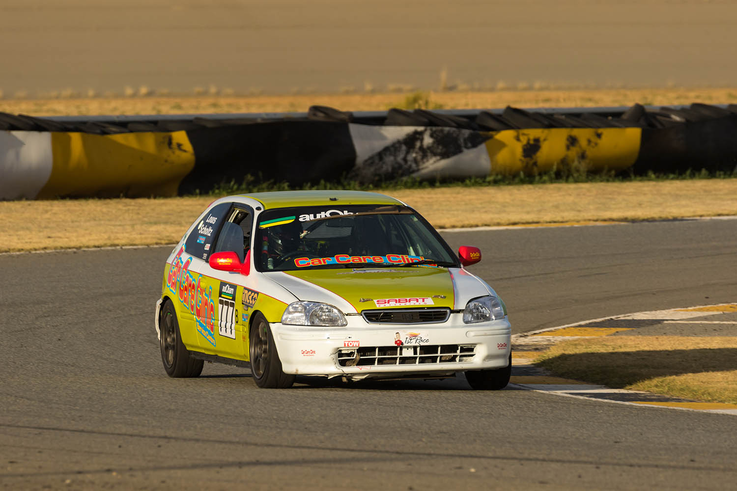 Scholtz on top at Phakisa 200