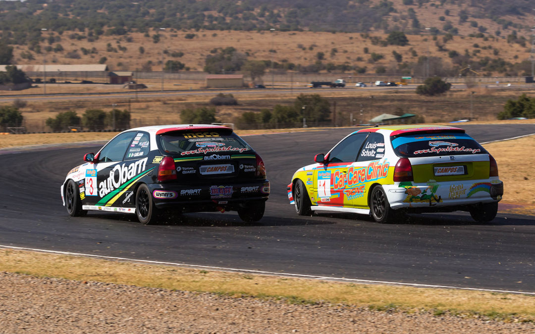 Garland and Scott share the Zwartkops SuperHatch wins