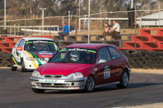 Jonathan du Toit will be out to prevent Brett Garland taking another win