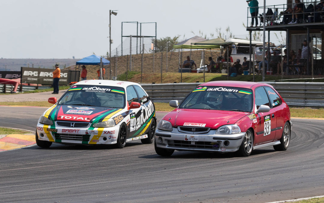 2019 Car Care Clinic SuperHatch Championship gets underway Zwartkops