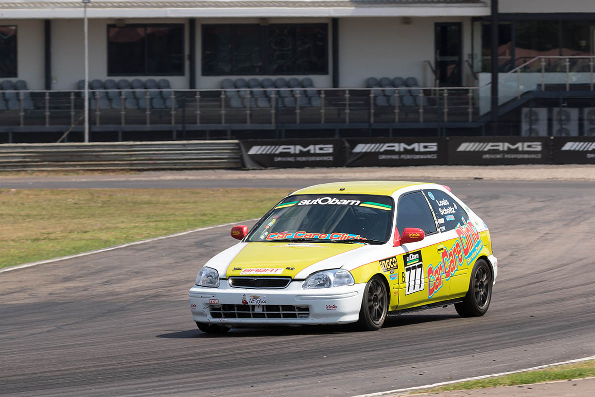 Louis Scholtz claimed the 2018 autObarn SuperHatch championship at Zwartkops
